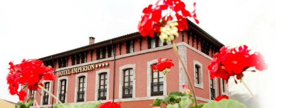 Hotel Imperion en Cangas de Onís - Foto entrada